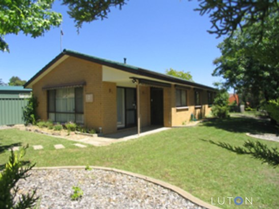 2 Warby Place, Charnwood