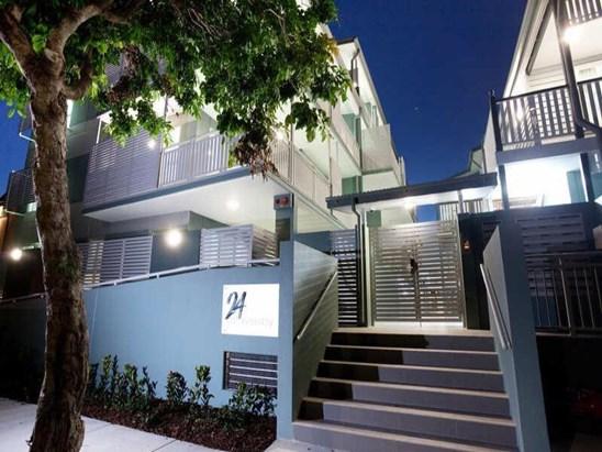 Amazing Modern Apartment - $450.00pw