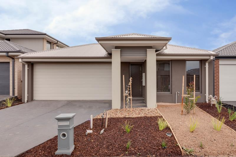 14 Quattro Avenue, Cranbourne East VIC 3977, Image 0