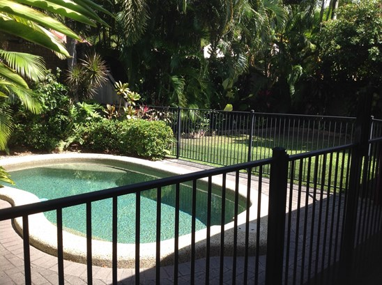 $400.00 Pool and garden maintenance included