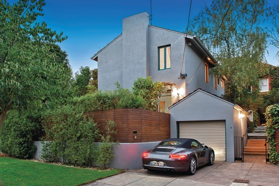 4 Leighton Court, Toorak