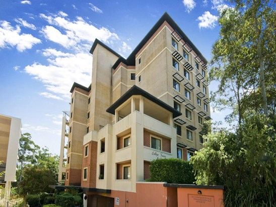 27/6 College Crescent, Hornsby