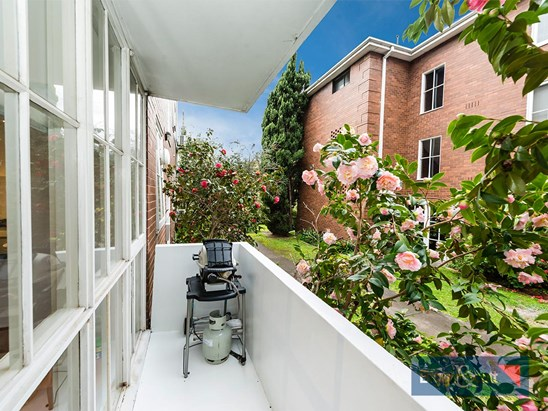 114-116 Riversdale Road, Hawthorn