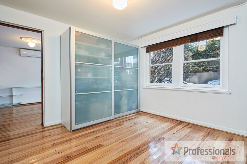 Picture of 2/75 Queens Road, Melbourne 3004