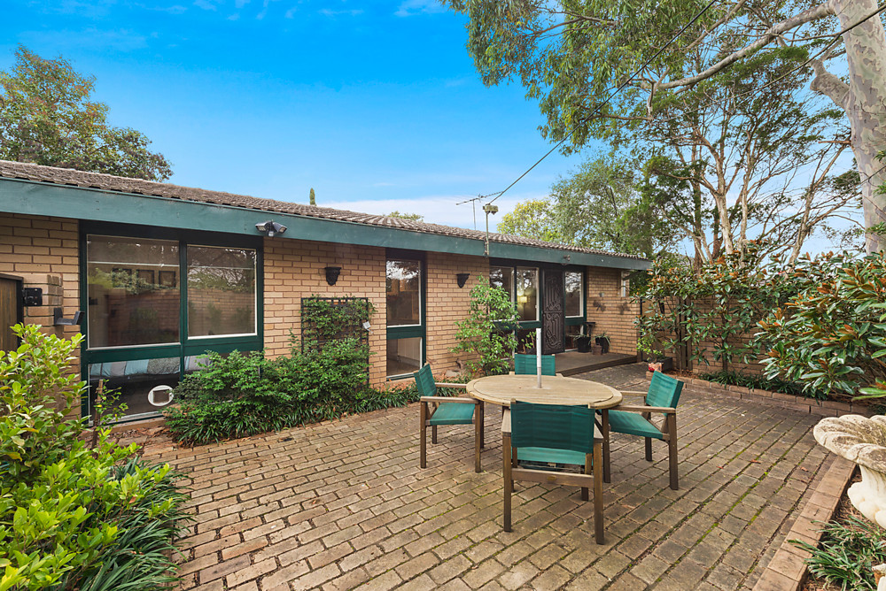 1/16 Essex Road, Surrey Hills VIC 3127, Image 0