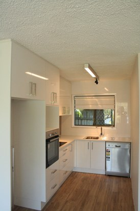 $400 Fully Renovated & One Weeks free Rent!