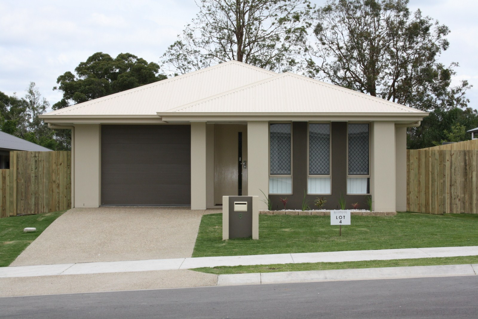 8 Mark Winter  Court, Bellbird Park QLD 4300, Image 0