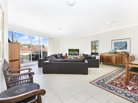 532/11-25 wentworth Street, Manly