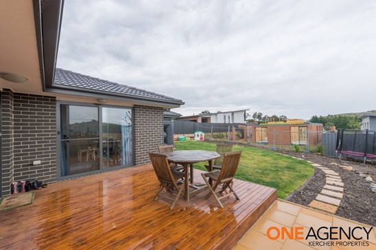 5 Willesee Rise, Coombs
