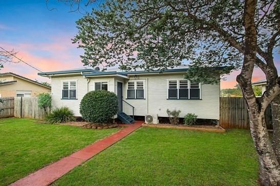 4 Short Street, South Toowoomba