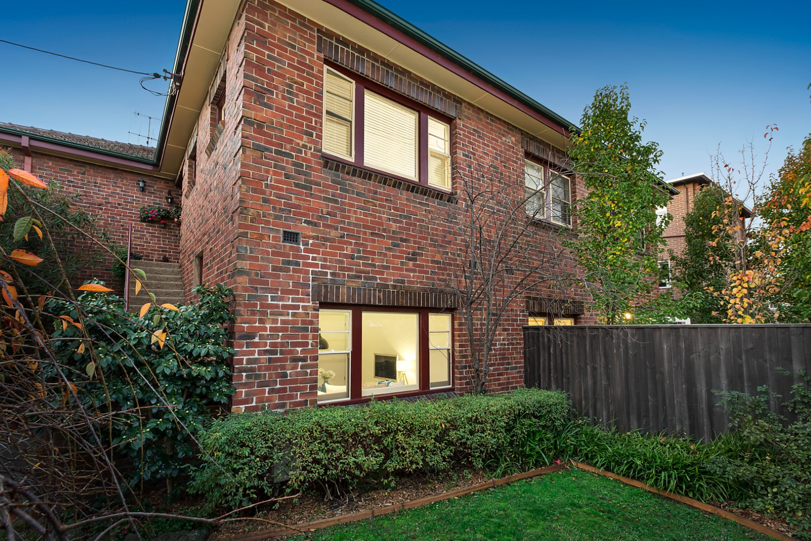 2/6 Finchley Court, Hawthorn VIC 3122, Image 0