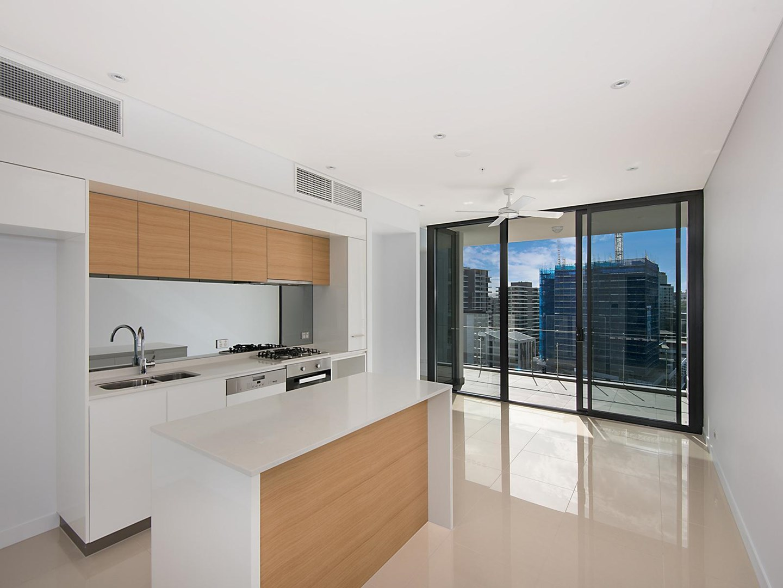 3033/33 Remora Road, Hamilton QLD 4007, Image 0