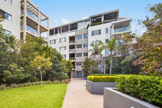 31-37 Pacific Parade, Dee Why