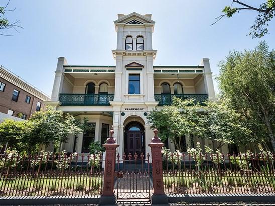 2/286 Albert Road, South Melbourne