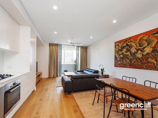 801 New Canterbury Road, Dulwich Hill