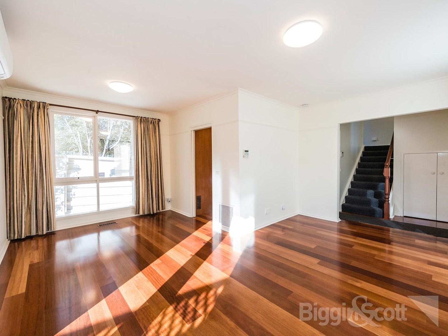 558 Nepean Highway Service Road, Brighton Vic 3186  House