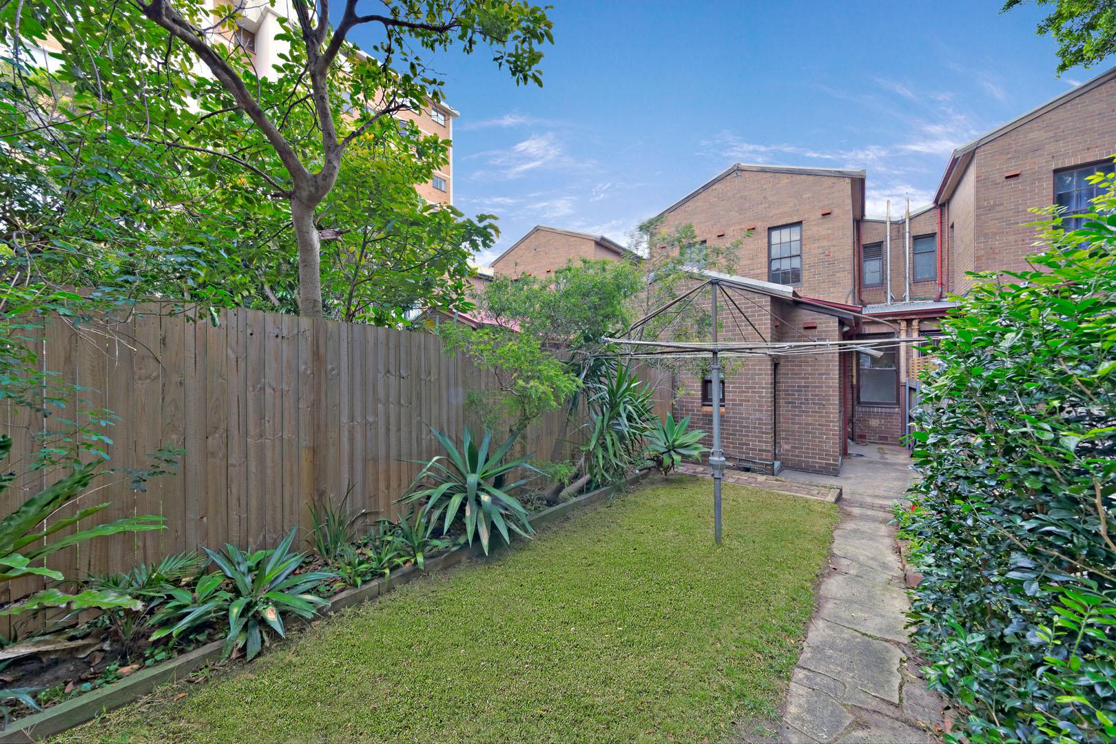 Rear 226 Bondi Road, Bondi NSW 2026 - Apartment For Rent ...
