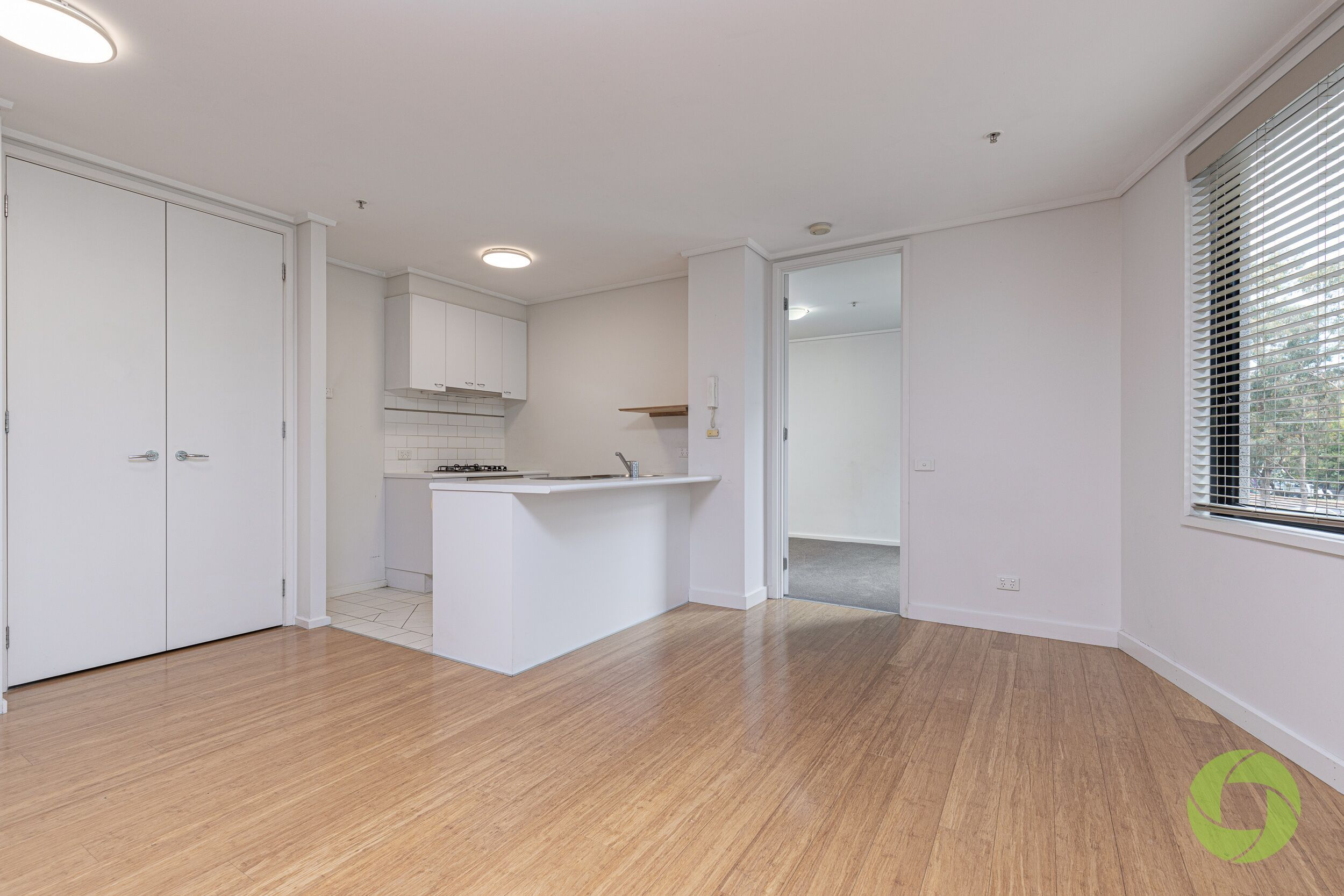 12/99 Whiteman Street, Southbank VIC 3006 - Apartment For ...