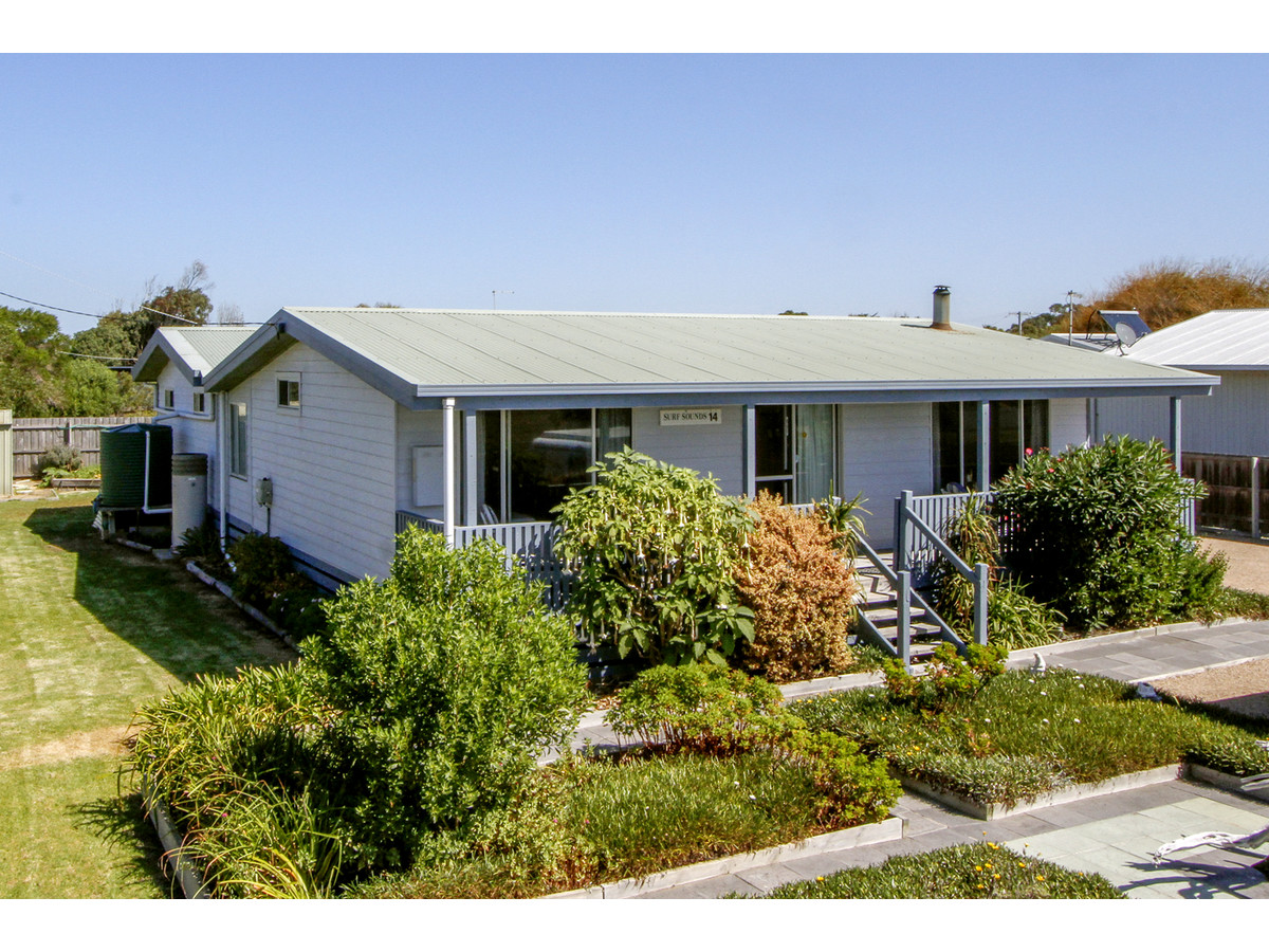 14 Centre Road Seaspray Vic 3851 House For Sale
