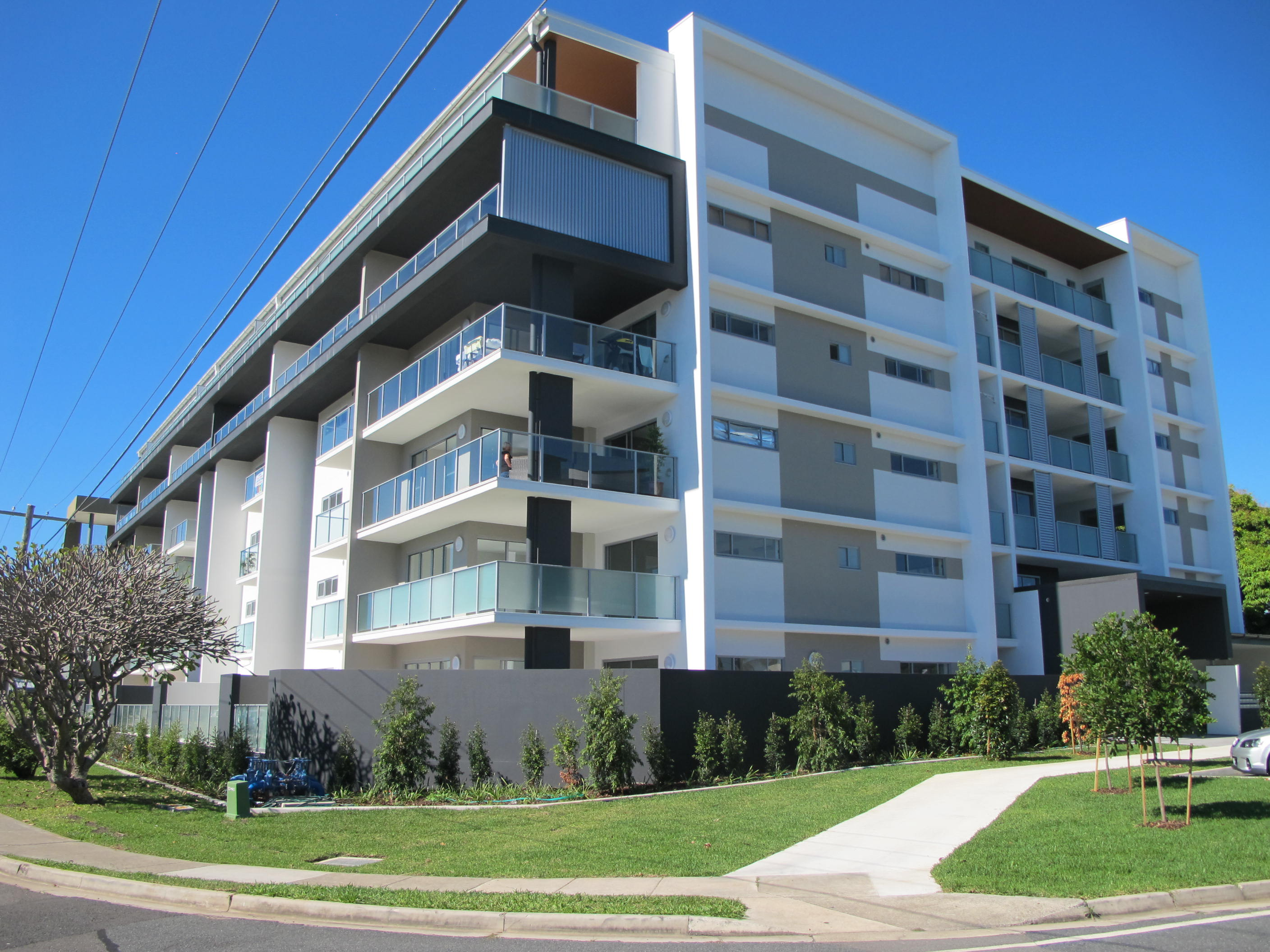 Cleveland qld 4163 2 beds apartment for sale starting - 2 bedroom units for rent brisbane ...