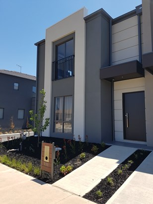 POINT COOKS BEST TOWNHOUSES - REGISTER NOW