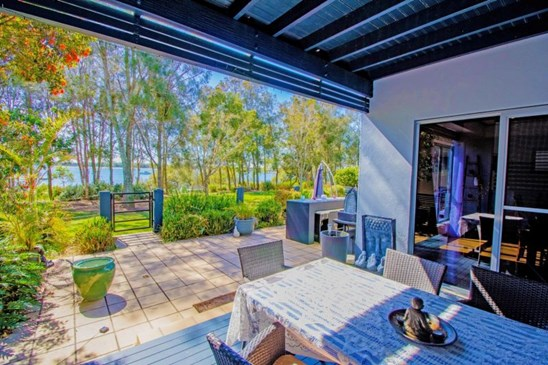 $950,000  Waterfront