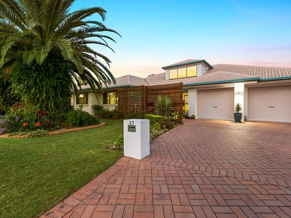 37 anna louise terrace windaroo qld 4207 house for sale for Queensland terrace
