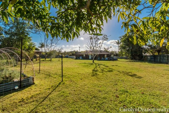 offers over $440,000 (under offer)