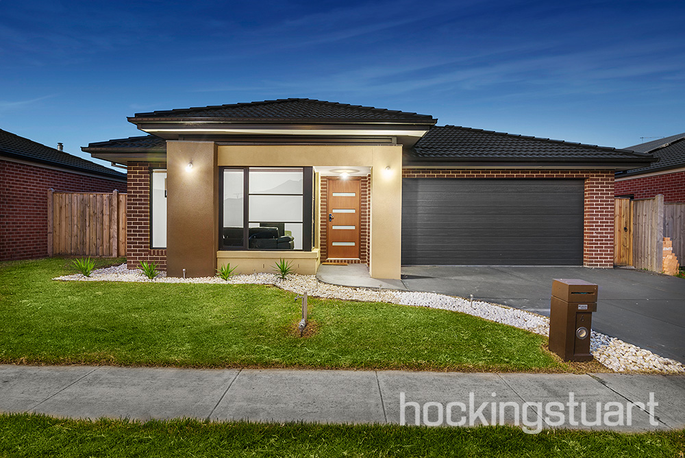 6 Landing Place, Point Cook
