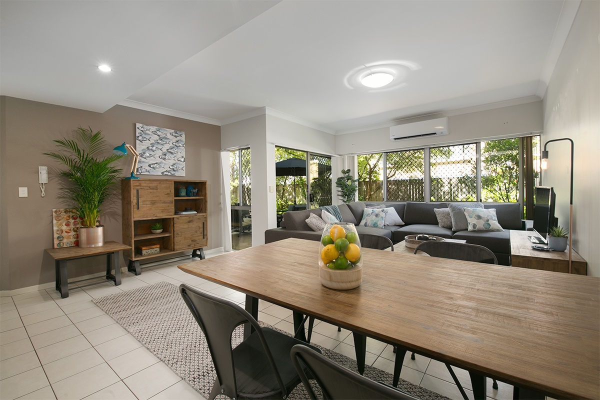 2/45 Railway Ave, Indooroopilly QLD 4068