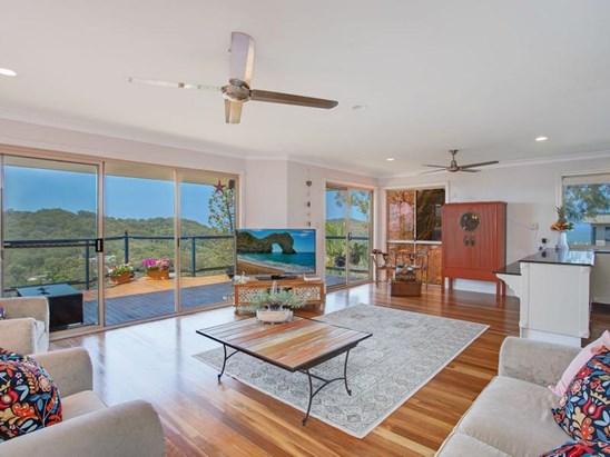 31 vantage point drive burleigh heads qld 4220 house for 111 skyline terrace burleigh heads