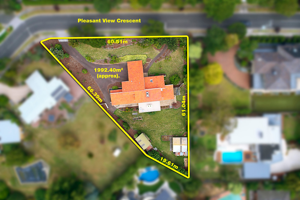 3 Pleasant View Crescent, Wheelers Hill