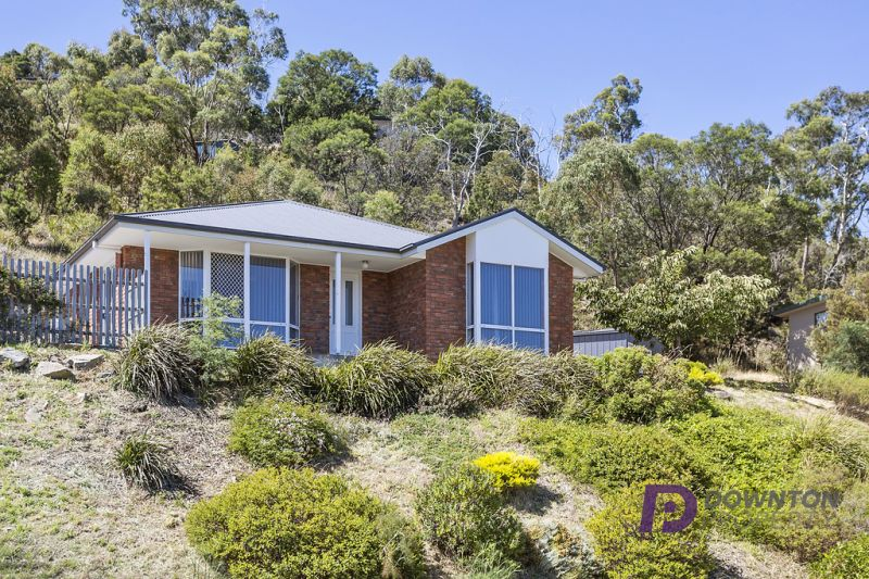 21 grevillea avenue old beach tas 7017 house for sale for Beach house designs tasmania