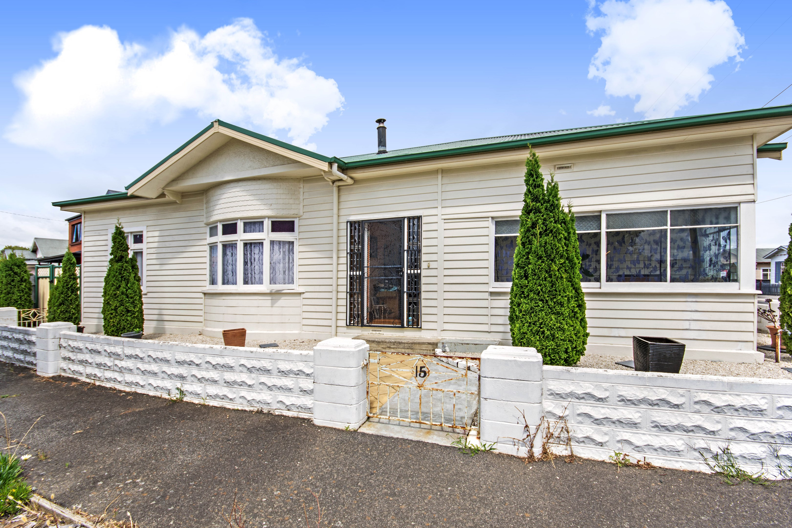 15 Kinross Road, Invermay