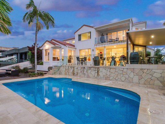 Offers above $1,549,000 (under offer)