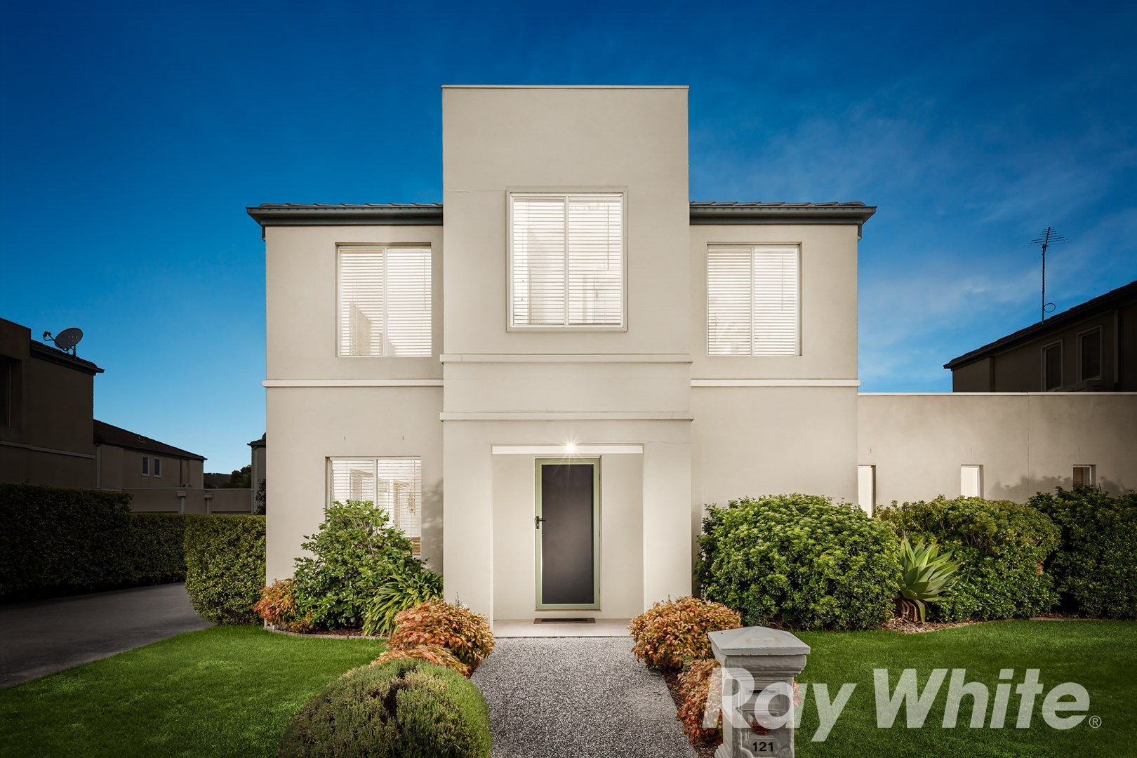 121 Sovereign Manors Crescent, Rowville