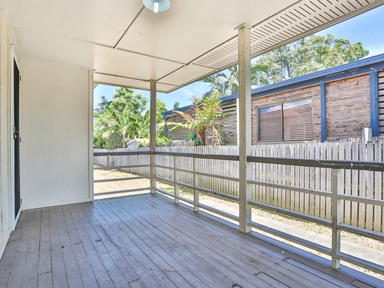 Offers Over $340,000 (under offer)