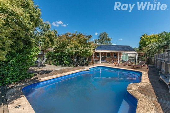 8 Figtree Grove, Bayswater