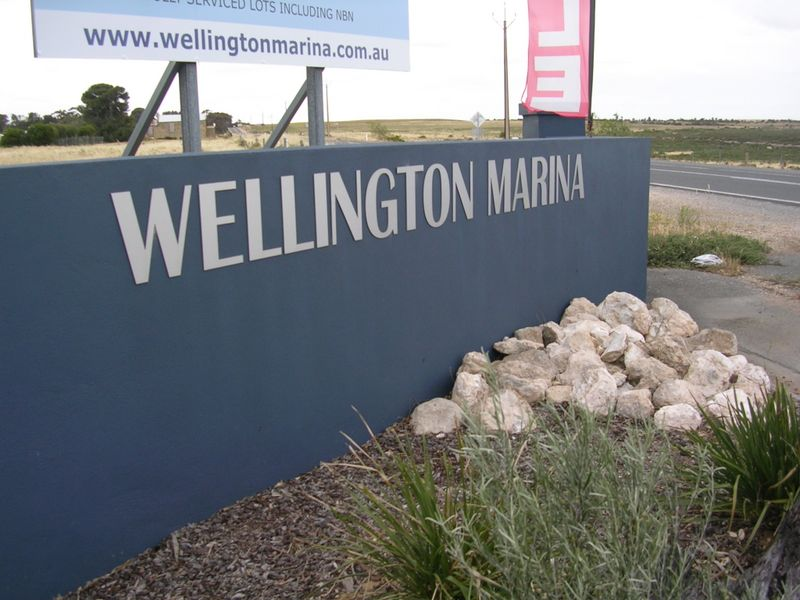 8 Seymour Drive, Wellington East