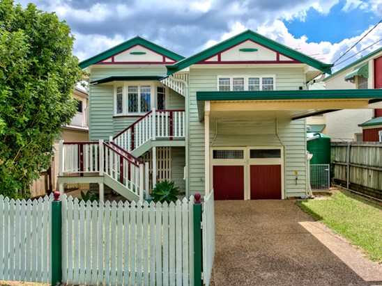 Offers over $529,000 (under offer)