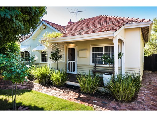 OFFERS OVER $769,000 (under offer)