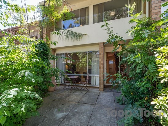 $550,000 to $590,000 (under offer)