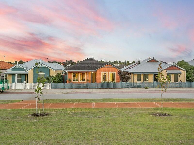 13 Haven Way, Atwell