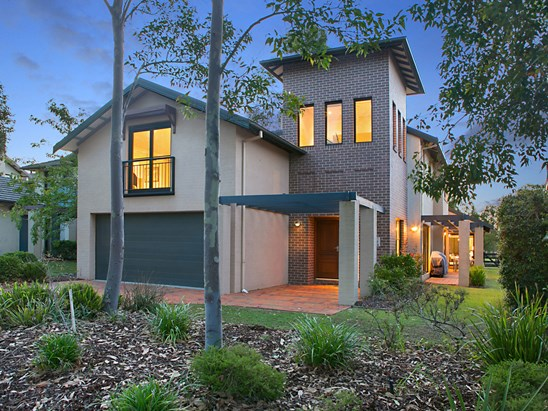 PRICE RANGE: $729,000 to $749,000