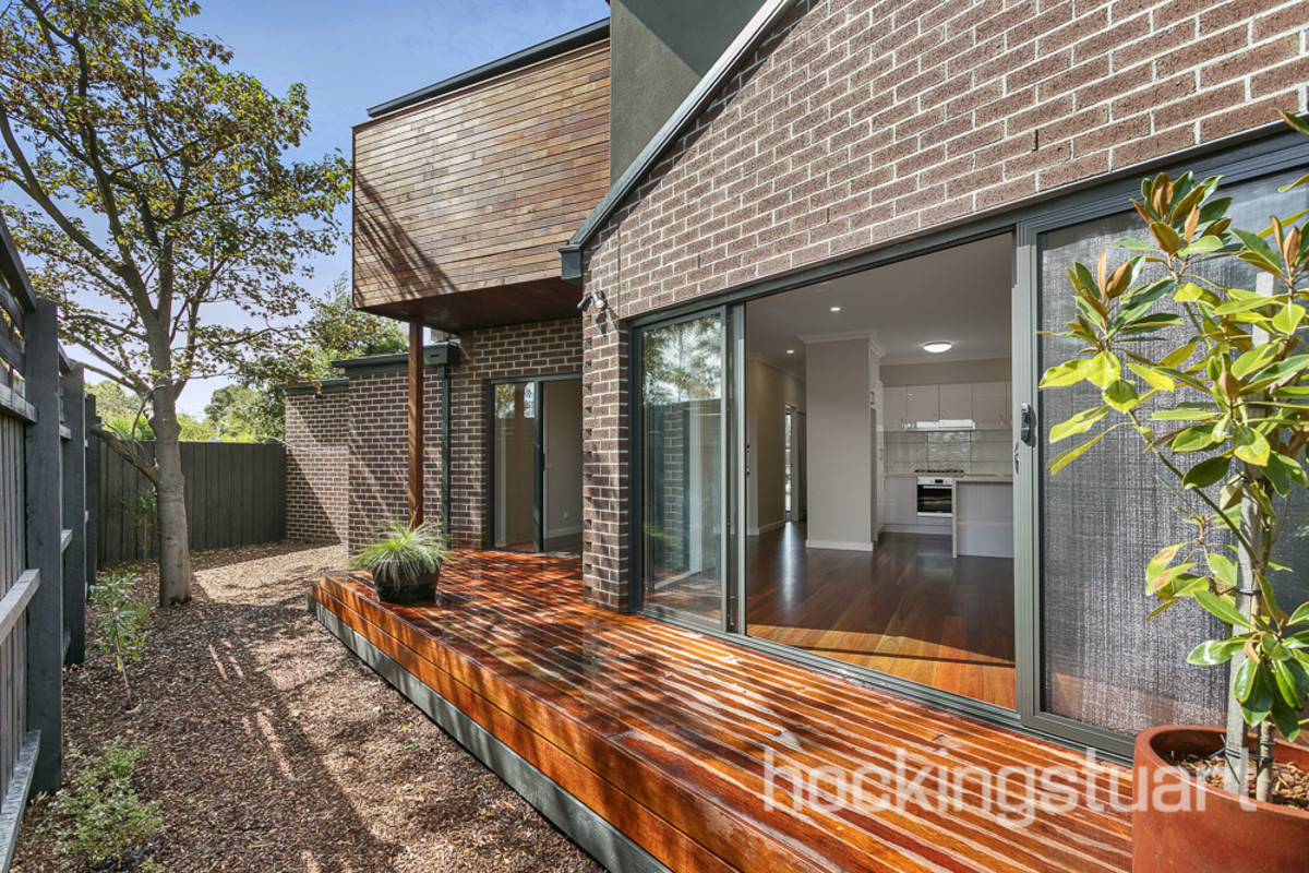 2/12 Jaques Grove, Forest Hill