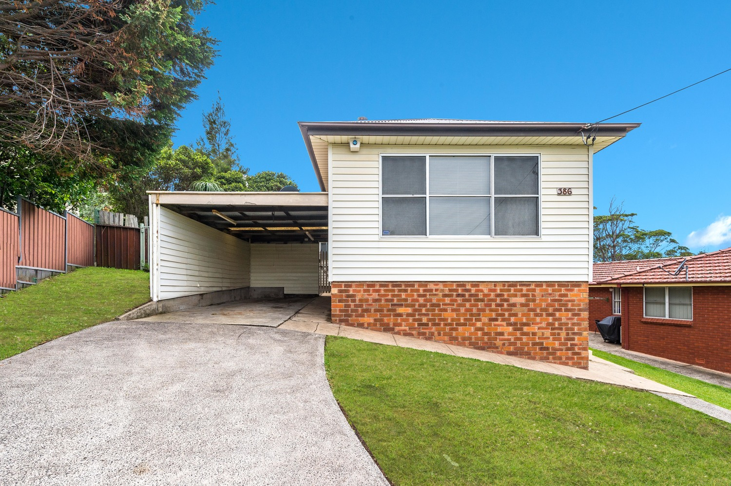386 Northcliffe Drive, Lake Heights