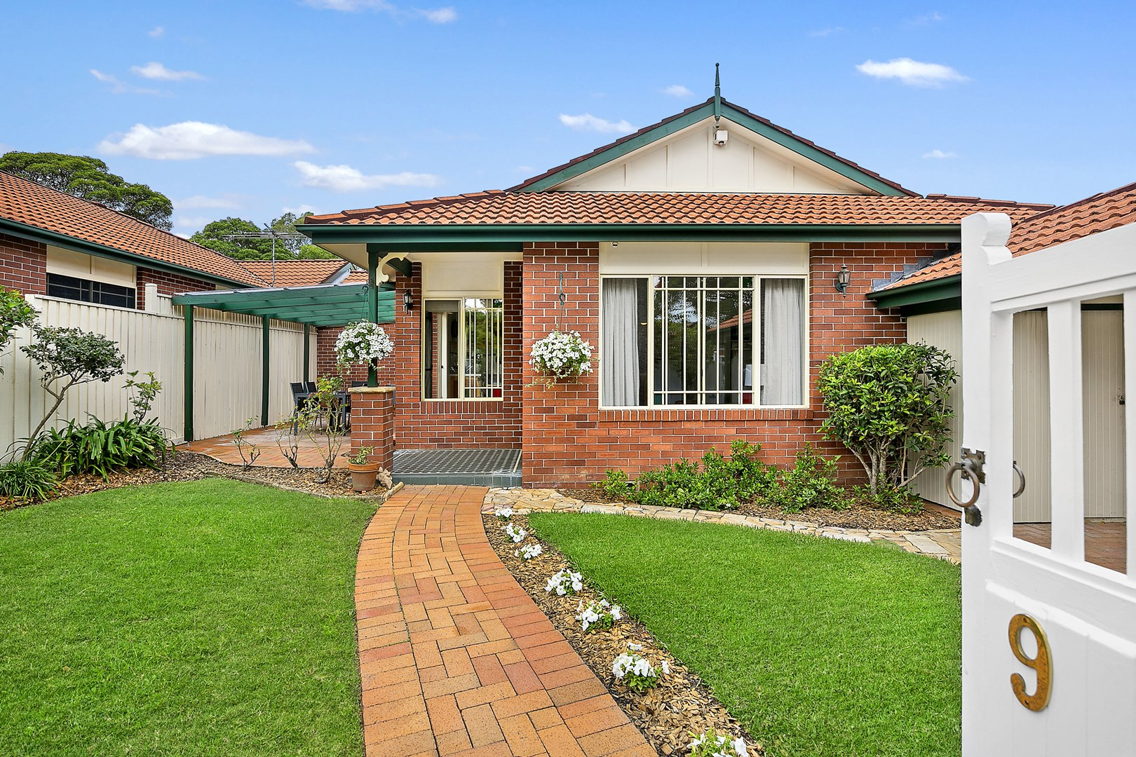 9 Windsor Road, Willoughby