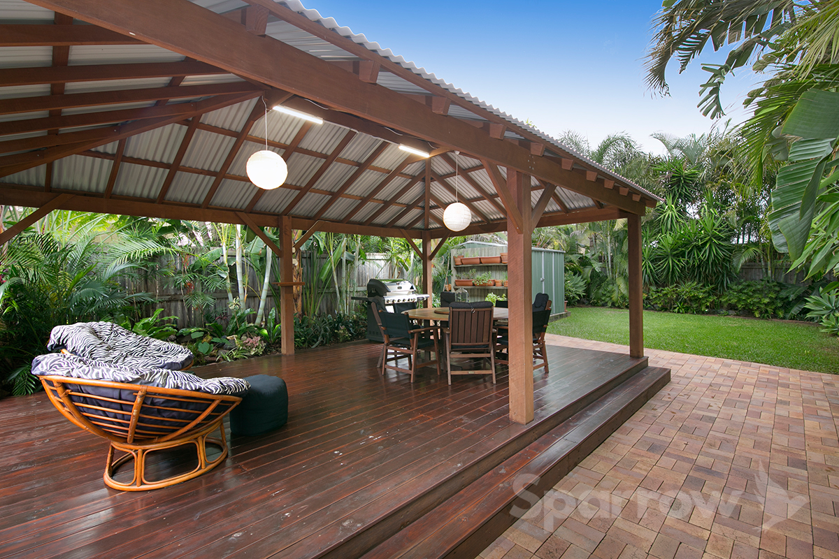 12 Blackwood Road, Manly West