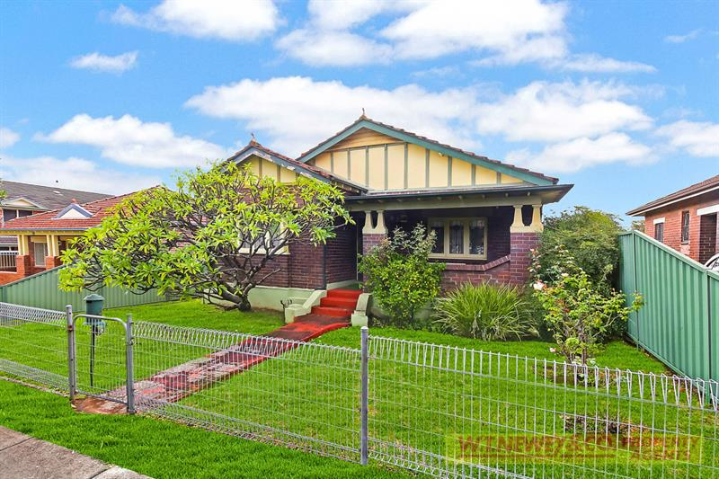 Picture of 32 Cambridge Ave, Bankstown