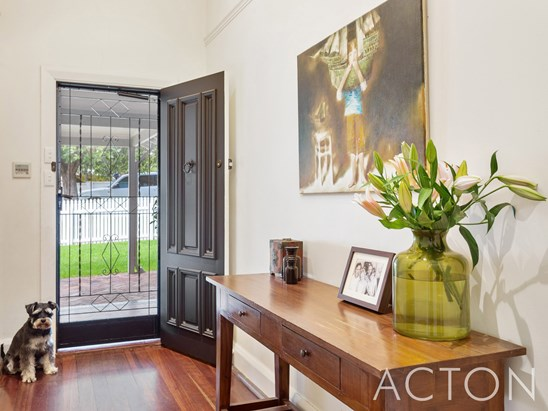 Offers from $1.8mil (under offer)